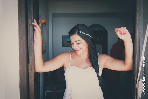 bodas en la playa, agua amarga boda, playa boda, tendencias-bodas-2016, blog-fotografo-bodas, blog-vintage, boda-fotografo, bodas-estilo-vintage, bodas-estilo-retro, estilo-vintage, fotografia-de-bodas-originales, fotografo-de-bodas-madrid,fotoperiodismo-de-boda, fotos-vintage-parejas, imagenes-bodas, vintage-fotografia, vintage-fotos,la sposa vestidos de novia