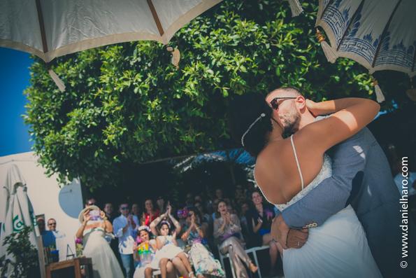 boda-playa-de-agua-amarga,bodas en la playa, agua amarga boda, playa boda, tendencias-bodas-2016, blog-fotografo-bodas, blog-vintage, boda-fotografo, bodas-estilo-vintage, bodas-estilo-retro, estilo-vintage, fotografia-de-bodas-originales, fotografo-de-bodas-madrid,fotoperiodismo-de-boda, fotos-vintage-parejas, imagenes-bodas, vintage-fotografia, vintage-fotos,