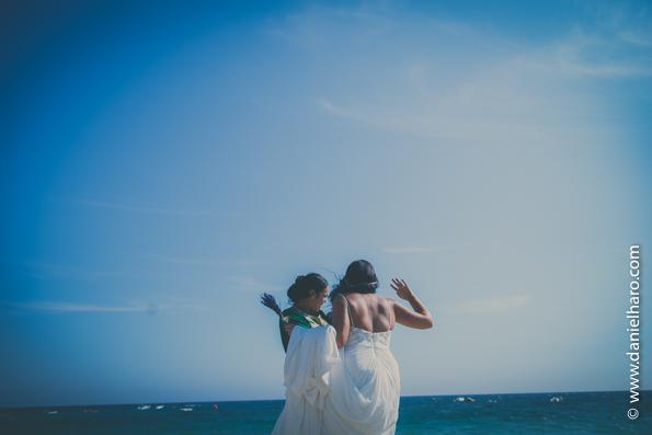 bodas en la playa, agua amarga boda, playa boda, tendencias-bodas-2016, blog-fotografo-bodas, blog-vintage, boda-fotografo, bodas-estilo-vintage, bodas-estilo-retro, estilo-vintage, fotografia-de-bodas-originales, fotografo-de-bodas-madrid,fotoperiodismo-de-boda, fotos-vintage-parejas, imagenes-bodas, vintage-fotografia, vintage-fotos,